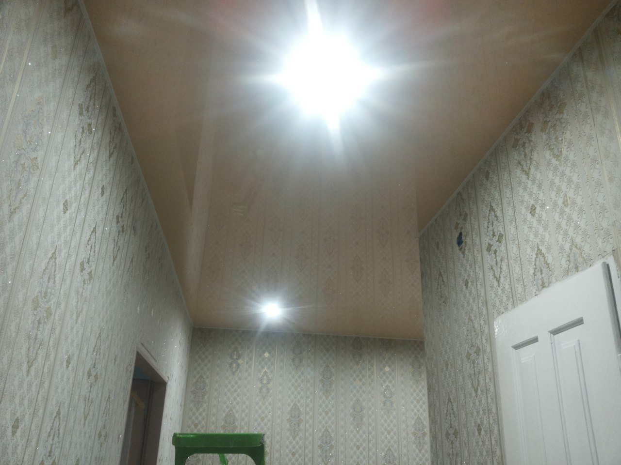 Натяжні стелі для квартири і будинку