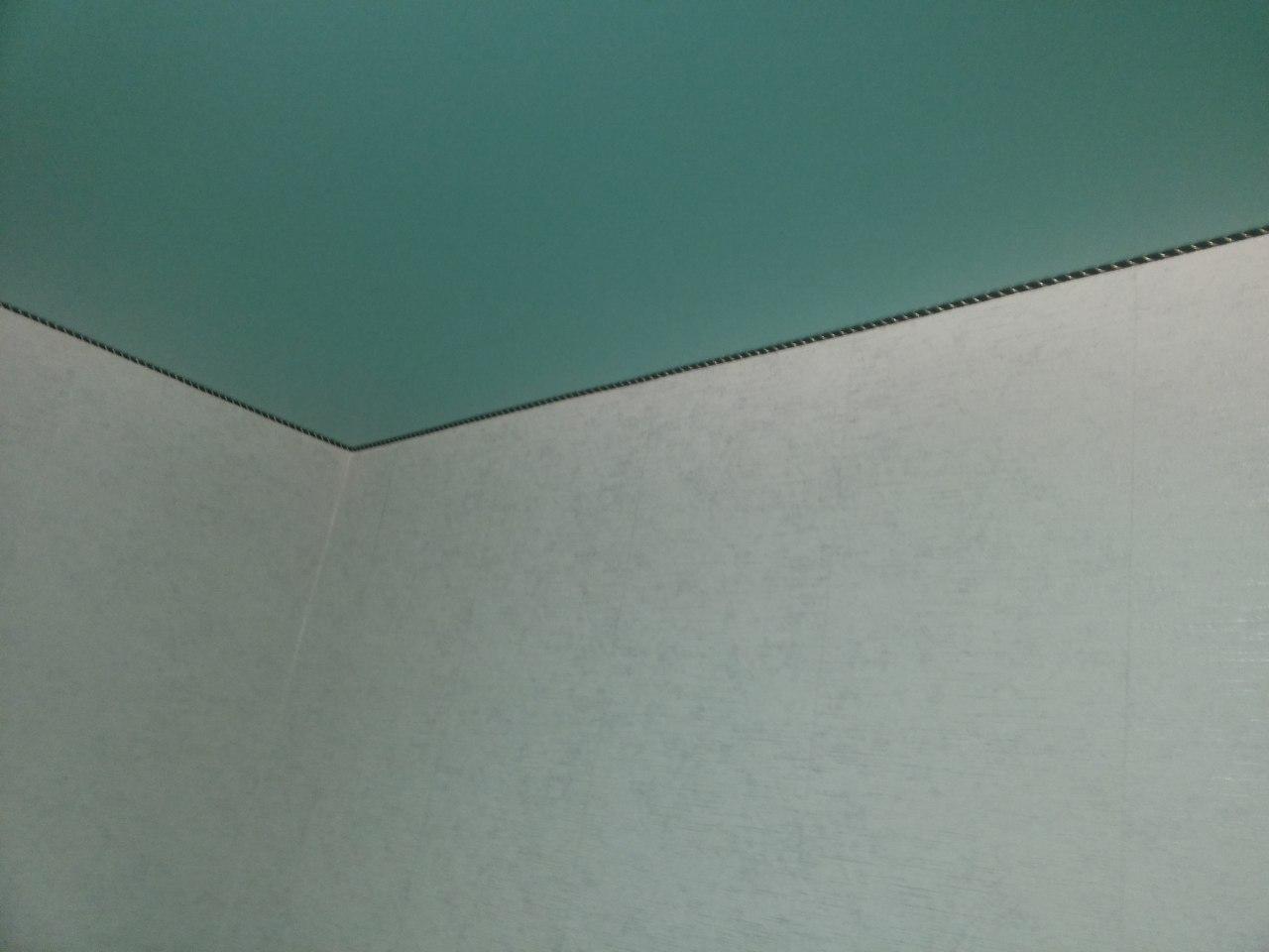 Натяжные потолки для ванной и туалета